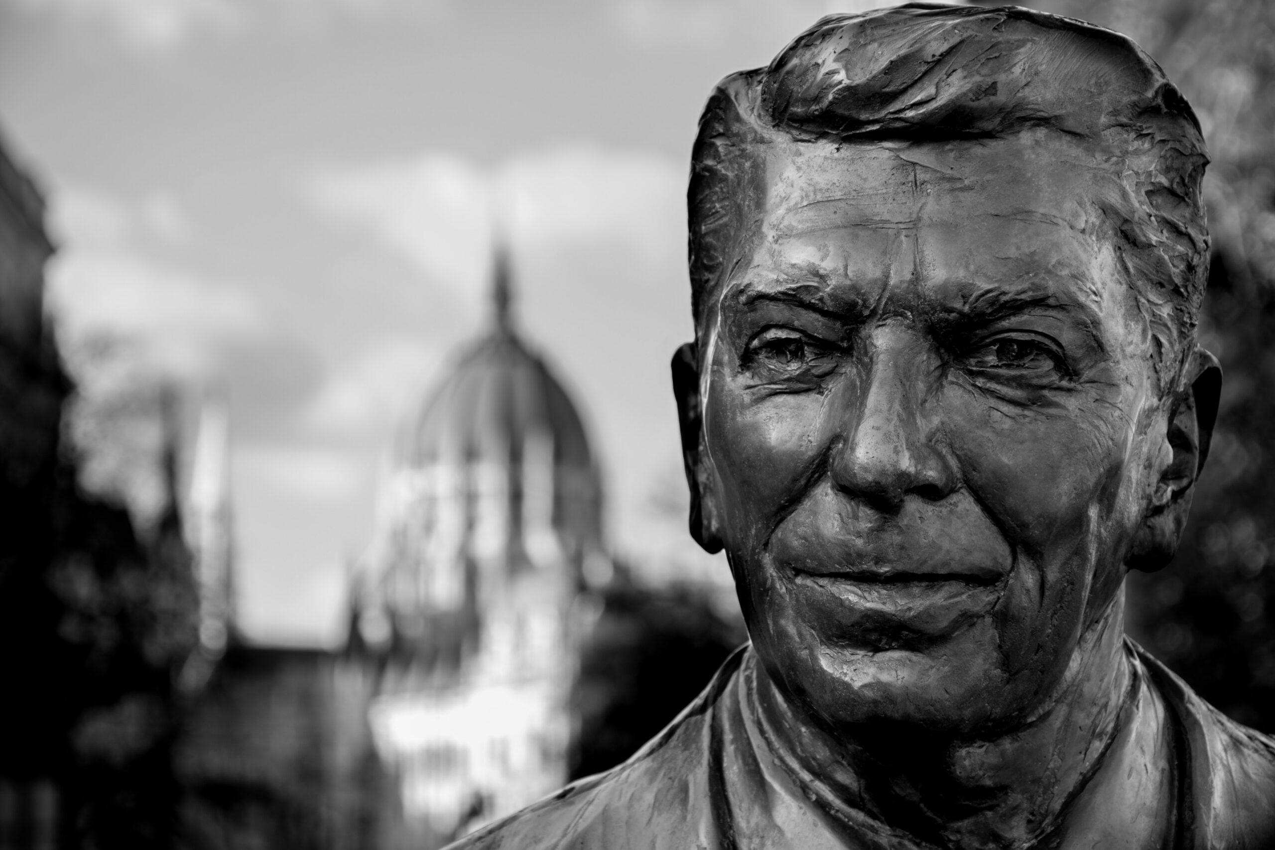 Gov. Hutchinson's Distortion of President Reagan